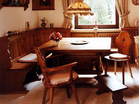 pfeil m beldesign m nchen bauernstuben jogltische. Black Bedroom Furniture Sets. Home Design Ideas