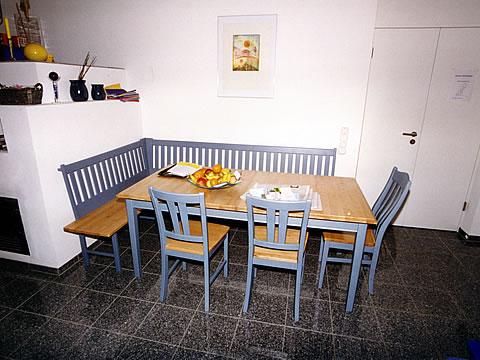 pfeil m beldesign m nchen esszimmer eckb nke tische st hle. Black Bedroom Furniture Sets. Home Design Ideas