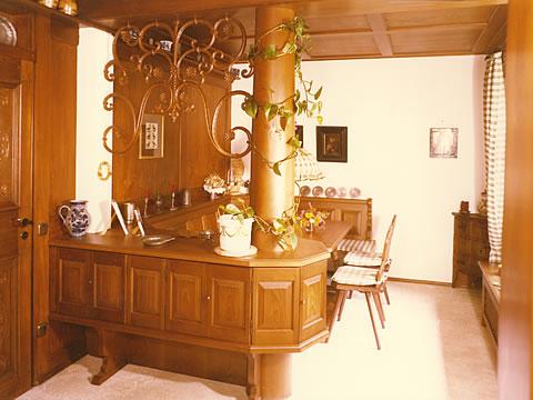 pfeil m beldesign m nchen bauernstuben esszimmer. Black Bedroom Furniture Sets. Home Design Ideas